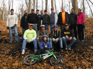 Group photo from the Autumn 2013 trail day at River Bends.